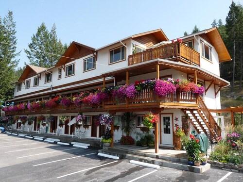 . Gateway Motel