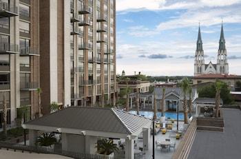 迪索托薩凡納亞飯店 The Desoto Savannah