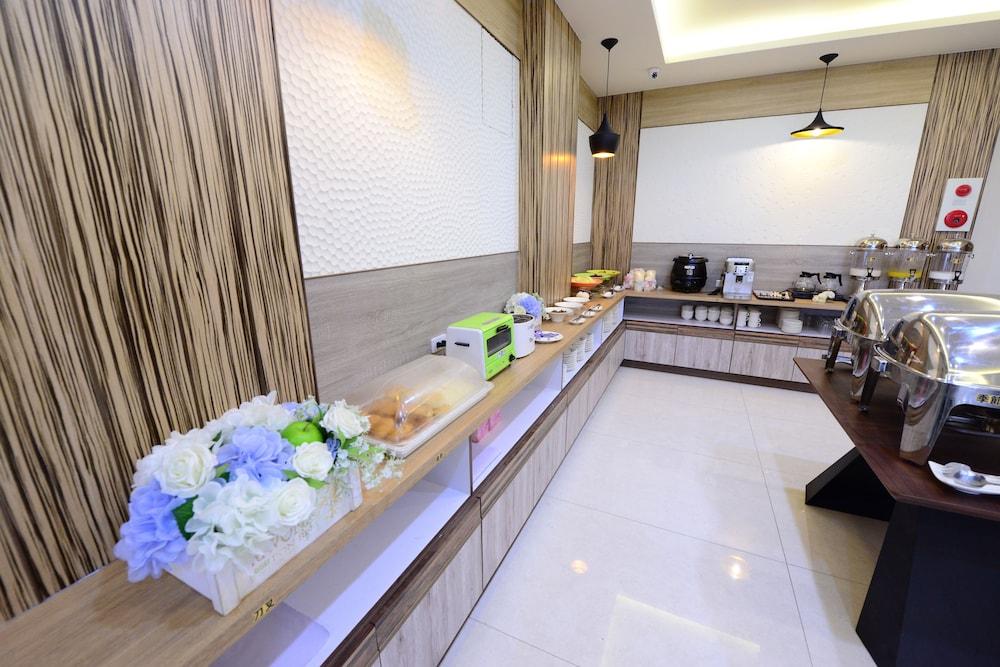 シャン シャン ティン チャオ ホテル (上山聽潮 - 日月潭景觀民宿)