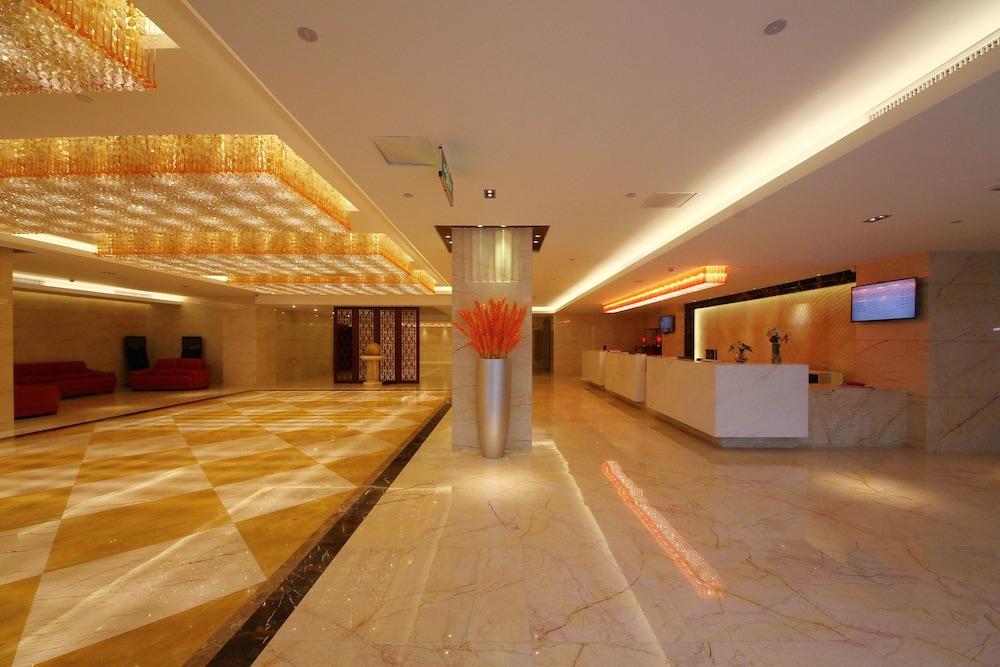ジンジウ ホテル - 廈門 (金玖酒店)