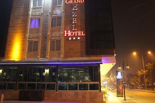 Grand Ezel Hotel, Merkez