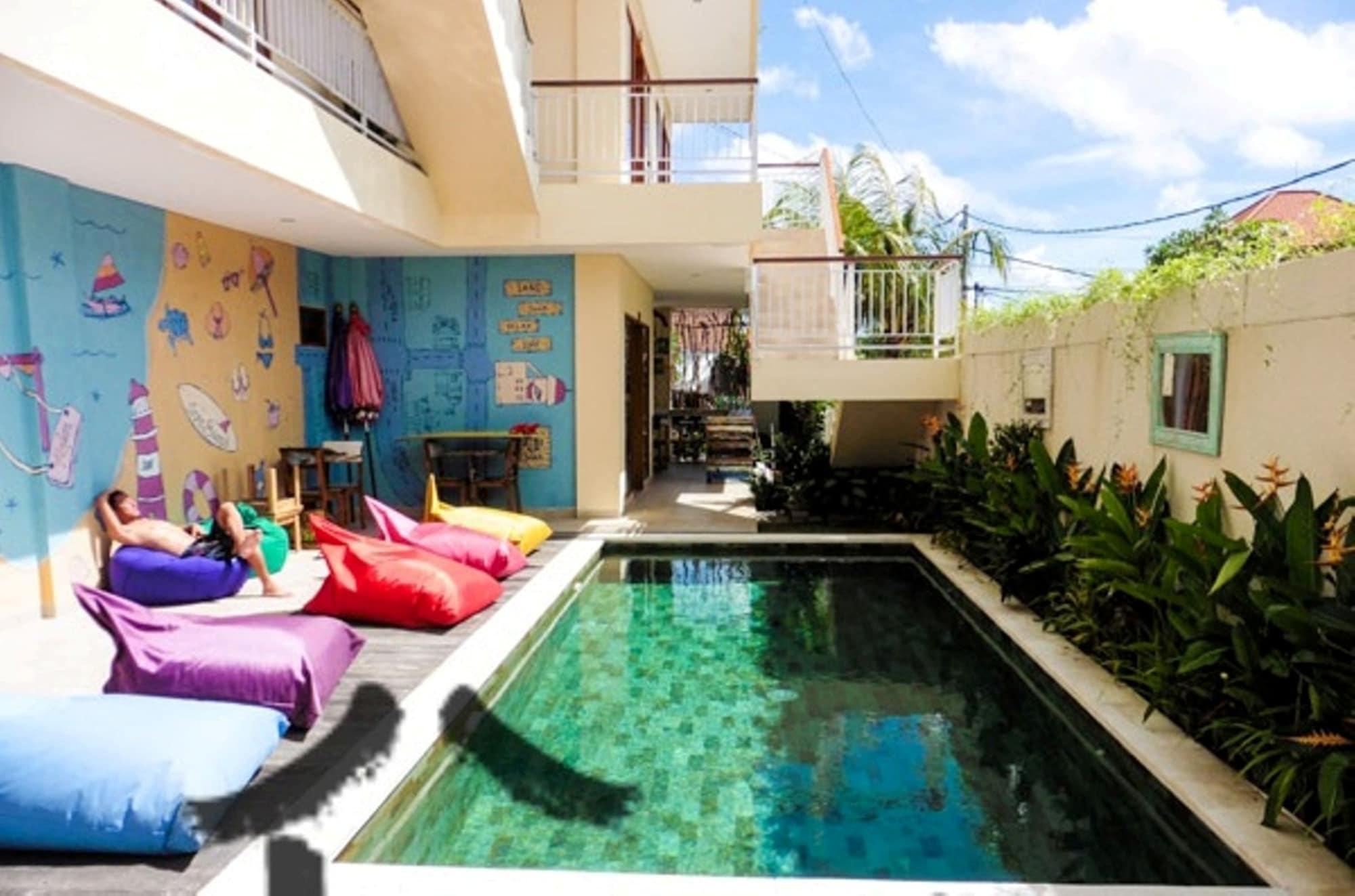 Home 21 Bali, Denpasar