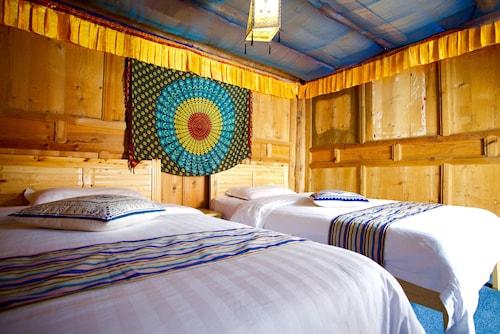 Ando Tibetan Inn, Ngawa Tibetan and Qiang