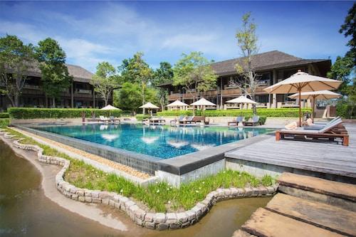 . Kirimaya Golf Resort & Spa