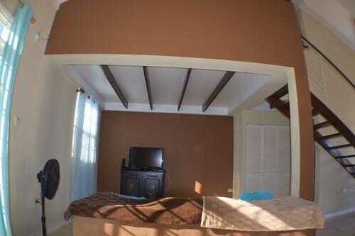 Lilford Mews Suites,