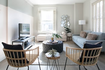 Airy 1BR in Gaslamp Quarter by Sonder photo