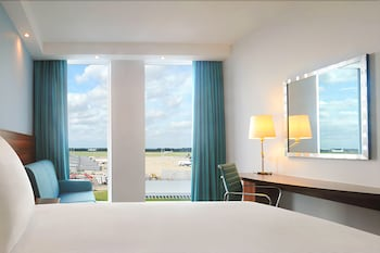 Room, 1 Queen Bed, Accessible, View