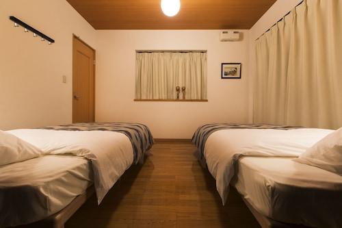 Japan Hostel Shinyatokkyu, Ōta