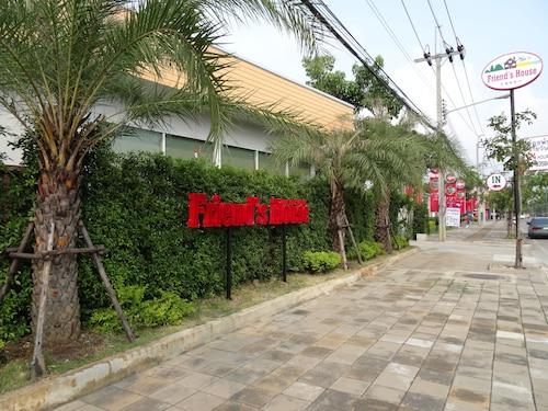 Friend's House Resort, Don Muang
