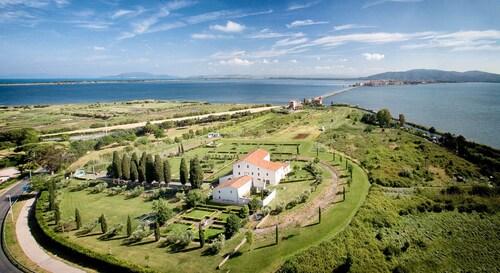 . Terrarossa Golf Resort
