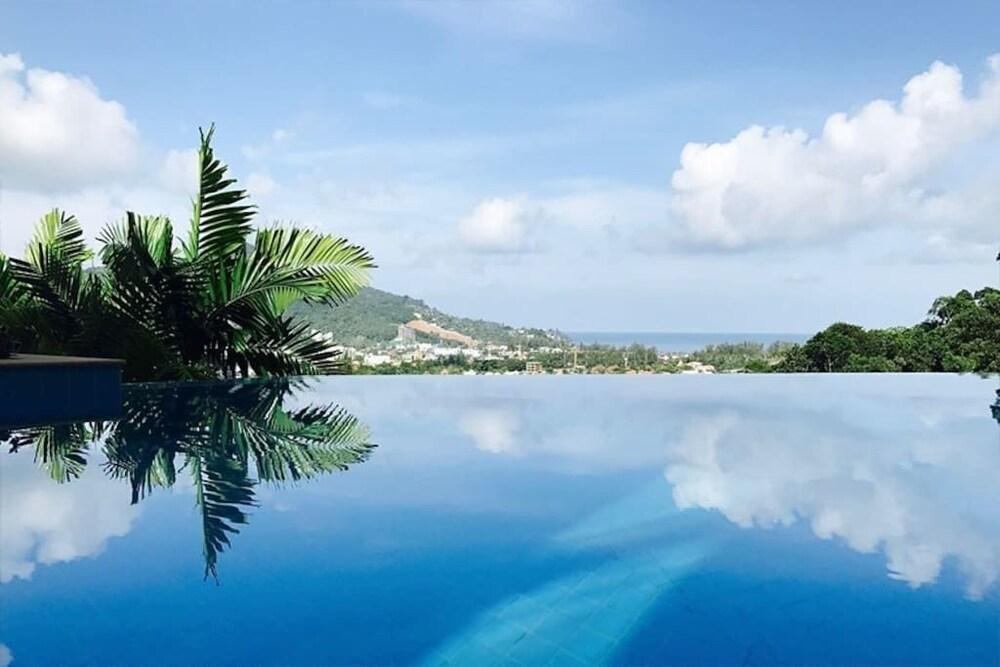 https://i.travelapi.com/hotels/19000000/18520000/18518100/18518080/026724bd_z.jpg