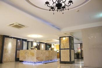 ビジネス ジョイ ホテル (Business Joy Hotel)