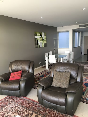 City Escape 3BD in Adelaides East End 7, Adelaide