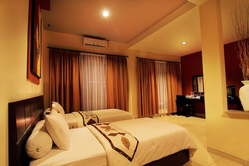 Puri Chorus Hotel, Sleman