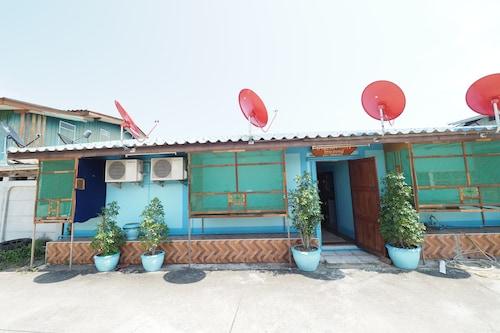 Baan Prakaikeaw, Amphawa