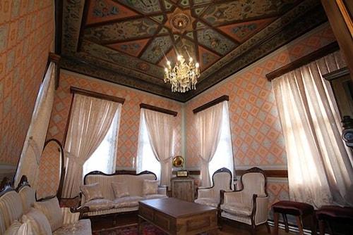 Mihran Hanim Konagi Butik Otel, Merkez