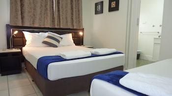 Guestroom at Jadran Motel & El Jays Holiday Lodge in Labrador