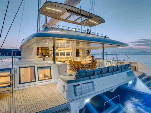 Dream Yacht Charter Private Crewed Yacht
