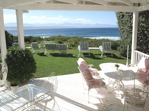 __{offers.Best_flights}__ Southern Cross Beach House