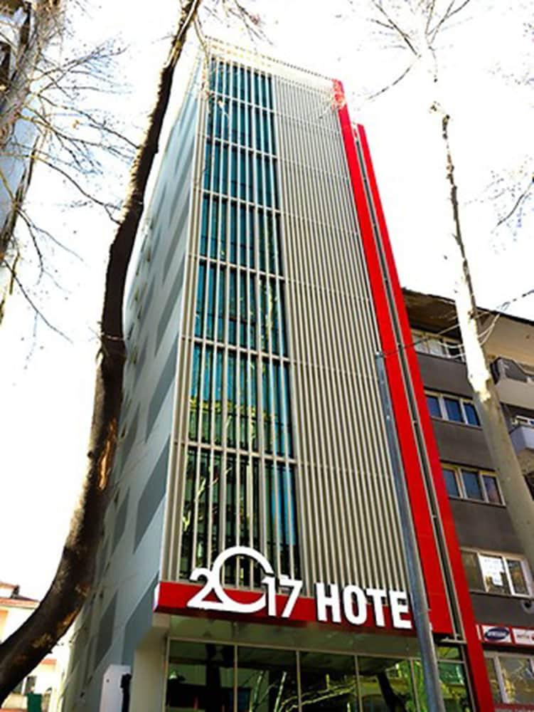 2017 Hotel