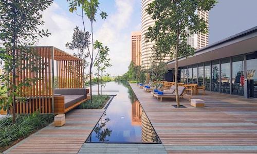 Oakwood Premier OUE Singapore, Downtown Core