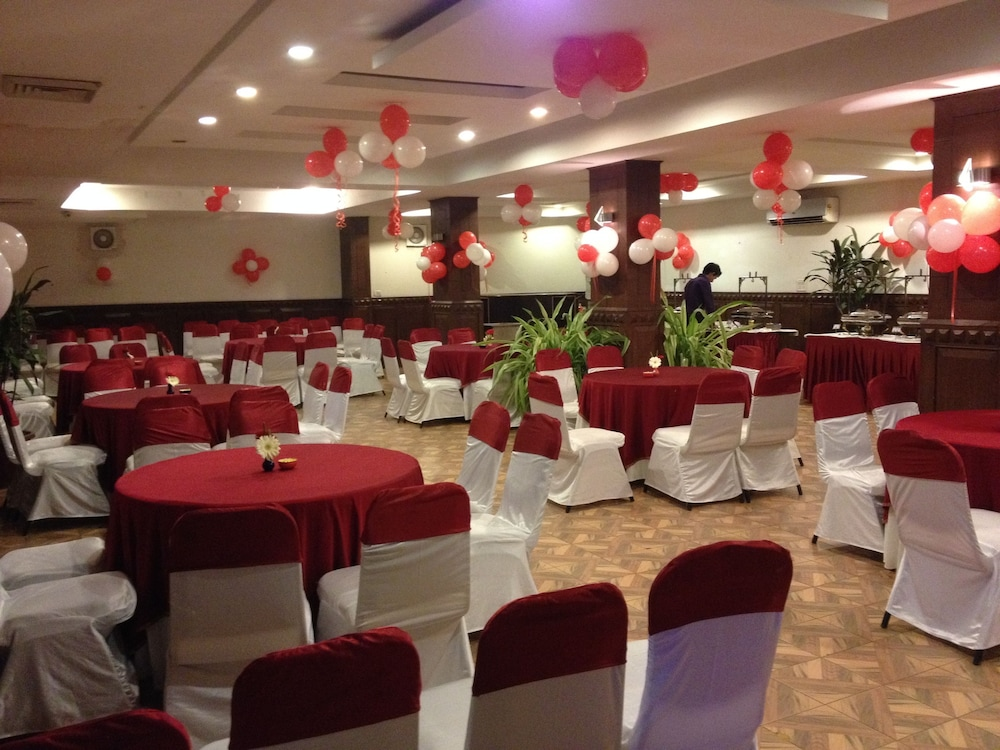 Ballroom/Hall 20 of 63