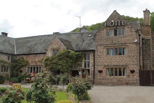 __{offers.Best_flights}__ Old Court Hotel