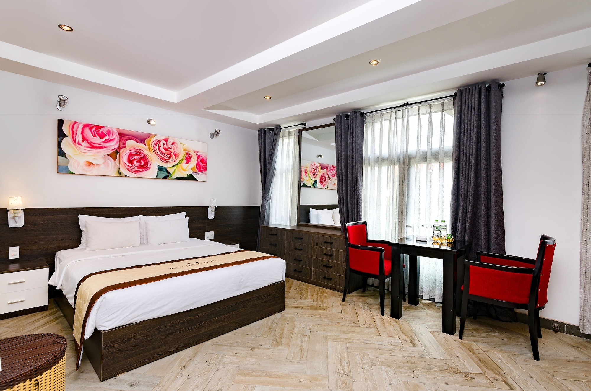 Vien Dong Hotel 2B, Quận 7