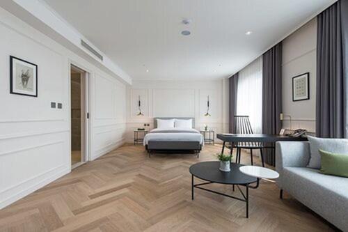 . Alex 72 Hotel