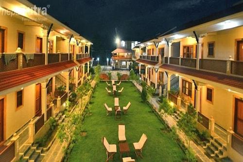 Hotel Westwood, Narayani