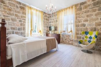 皮特拉羅薩豪華套房飯店