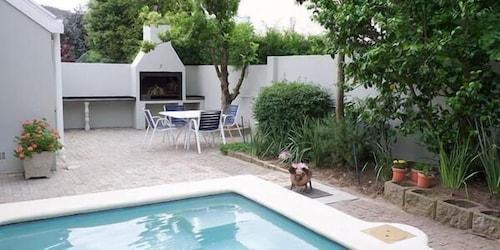Laurel Cottage Self-catering Suites, Cape Winelands