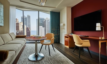 Viceroy, Suite, Lake View