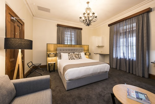 . The Parkview Hotel Mudgee