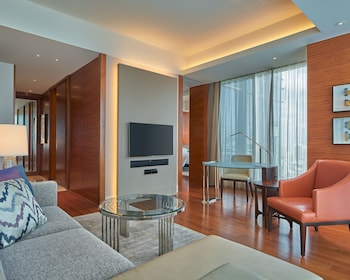 GRAND HYATT MANILA Living Area