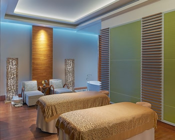 GRAND HYATT MANILA Treatment Room