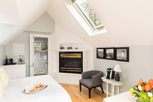 Brass Key Guesthouse - Adults Only, Barnstable