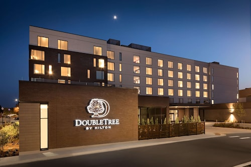 . DoubleTree by Hilton Greeley at Lincoln Park