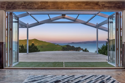 Woodside Bay Chalets, Auckland