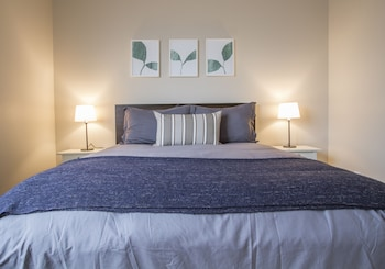 Hip City 2 Bed Lux with Great Amenities