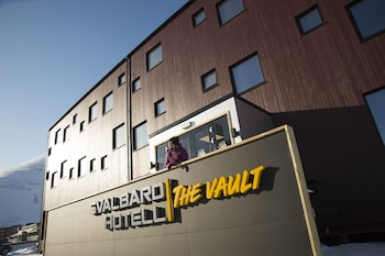 Hotel - Svalbard Hotell | The Vault