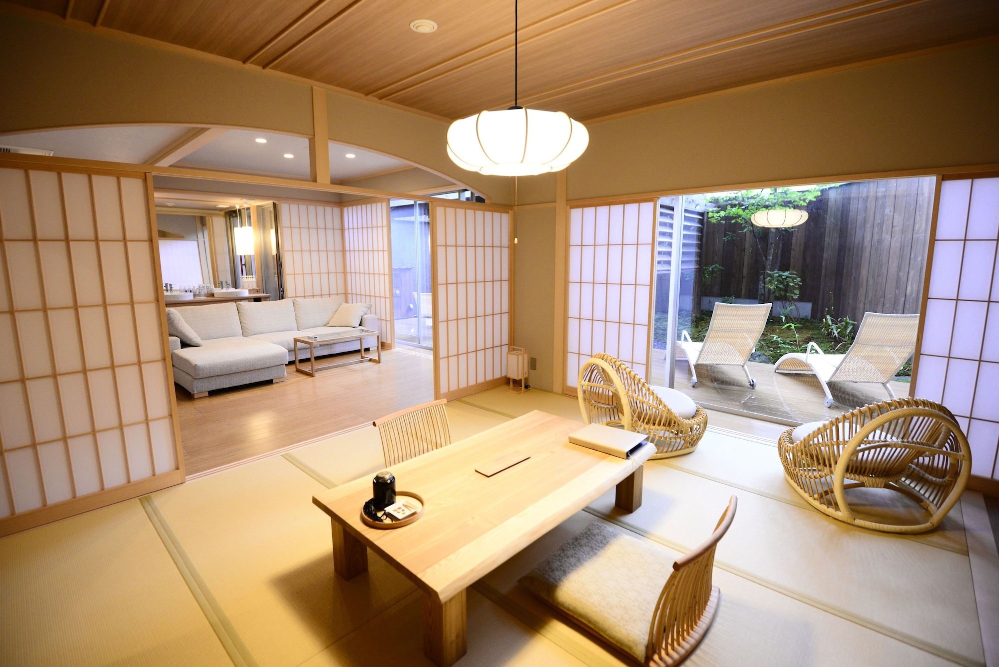 Japanese+Western Style Room JOH, Foot/Outdoor Bath