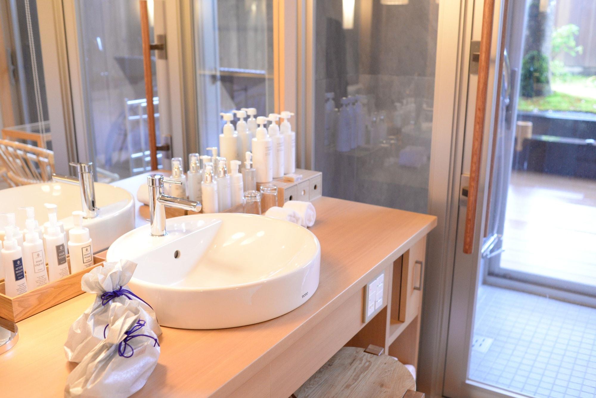 Japanese+Western Style Room KOU/MAN, Garden Deck, Outdoor Bath