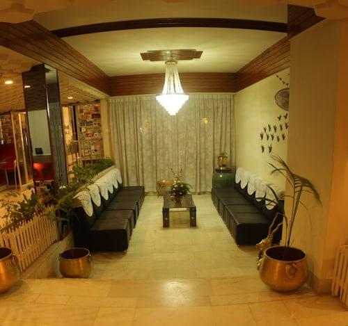 Hotel Parisutham, Thanjavur