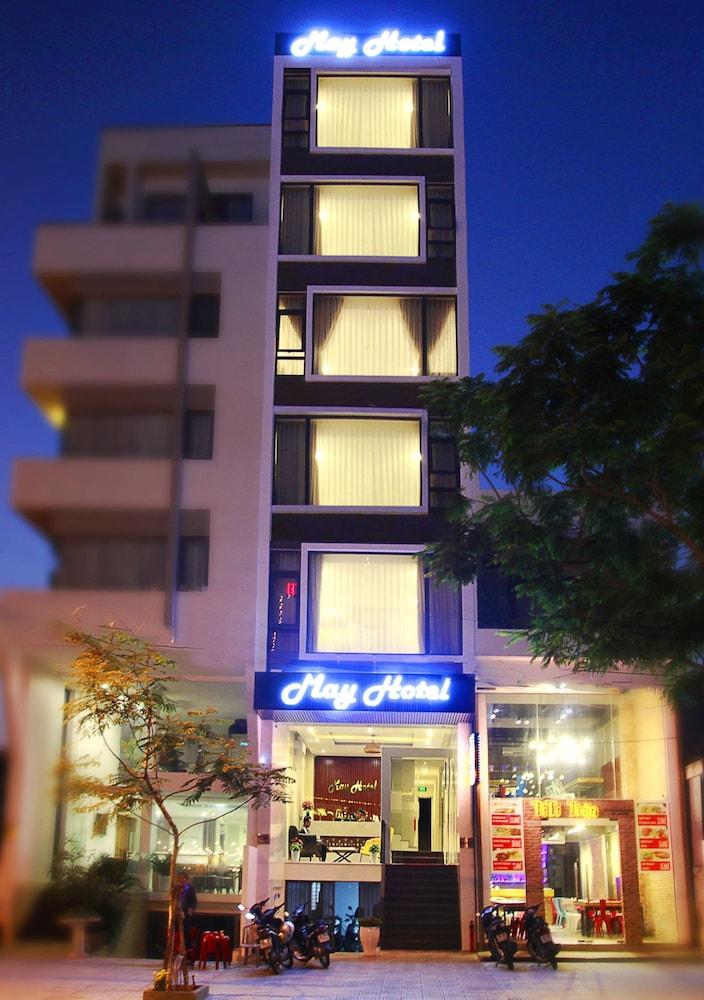 メイ ホテル