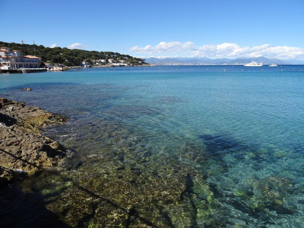 Waterfront Apartment Cap d'Antibes