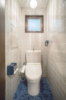 8INN GOJO OMIYA Bathroom