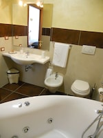 Superior Double Room, Jetted Tub