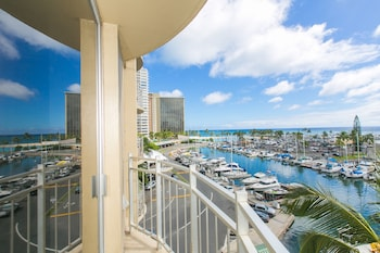 Hotel - Marina Hawaii Vacations at Ilikai Marina