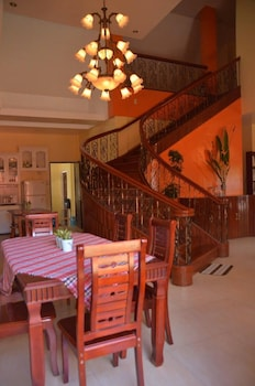 UMAVERDE BED & BREAKFAST Dining